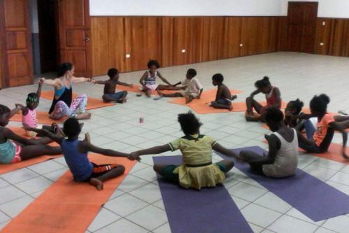 Children's Yoga In Seine Bight